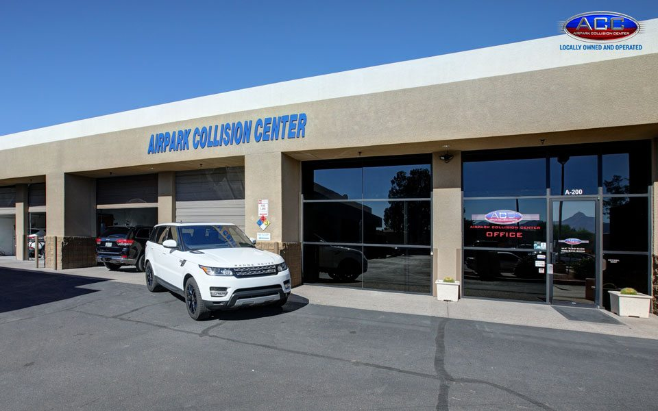 Side View of Airpark Collision Center Scottsdale